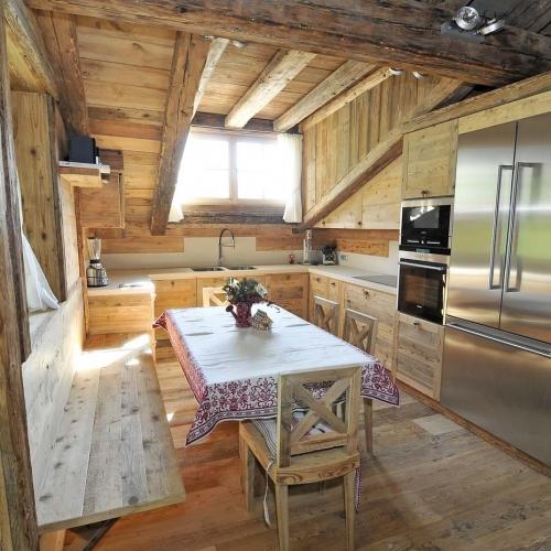 Case stile classico cool arredare uno studio in casa idea for Case arredate stile classico